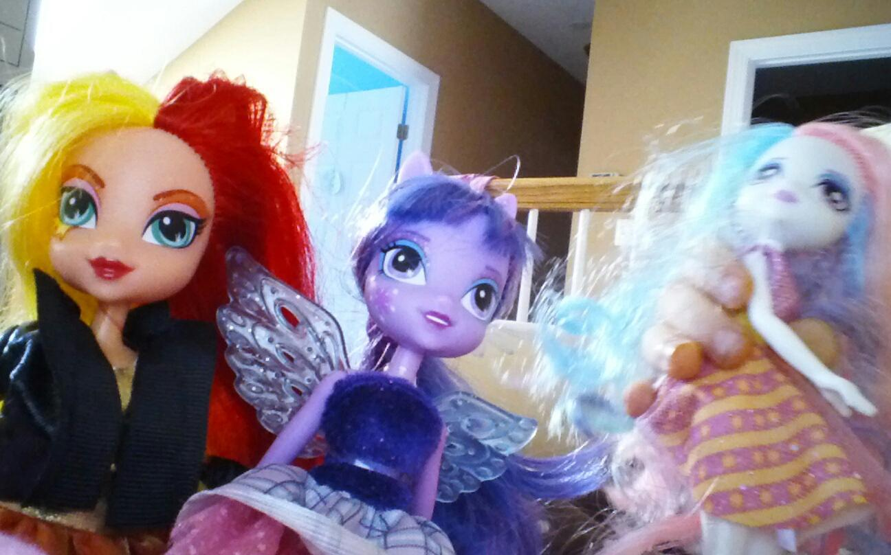 Which equestria girl do you like?