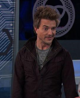 do u like douglas when he was evil or nice? (lab rats)