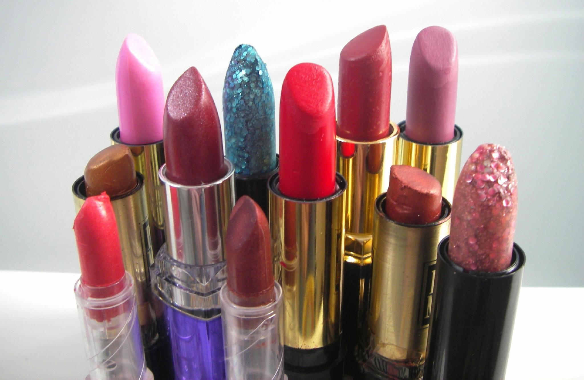 What's your favorite color lipstick to wear?