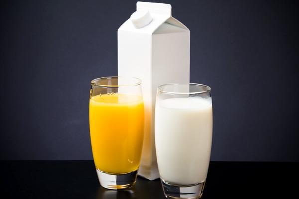 Would you rather drink orange juice, expecting it to be milk, or drink milk expecting it to be orange juice?