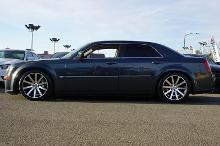 2007 Chrysler 300 Srt8 6.1 liter V-8 20 inch rims