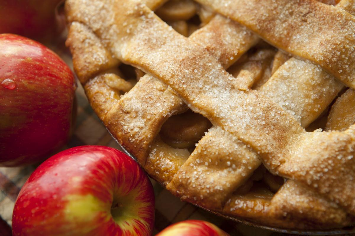 APPLE PIE! APPLE PIE IS AMAZING!