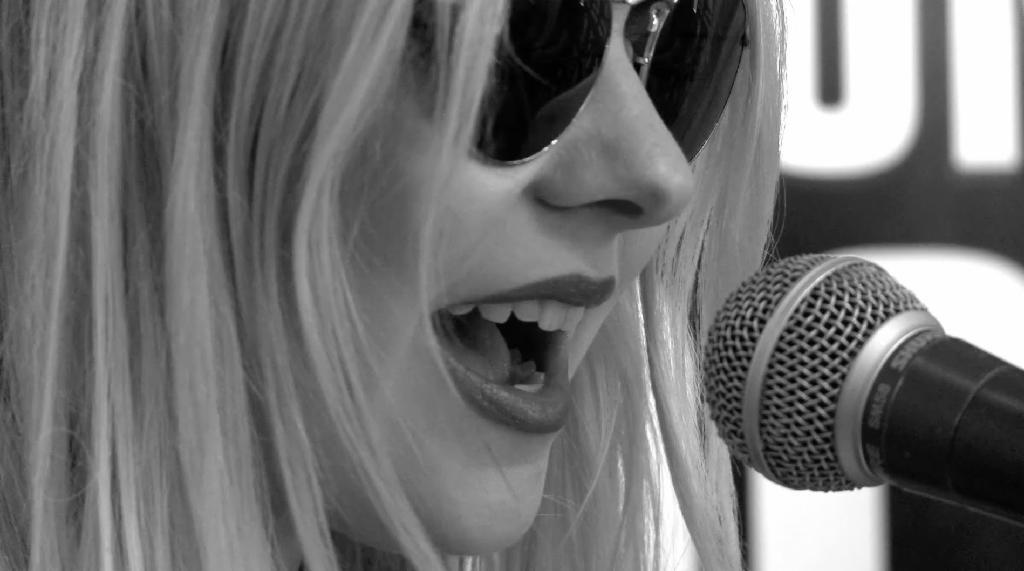 The Pretty Reckless - Heaven Knows (Live at WAAF)