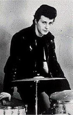 Who played the drums for the Beatles after Pete Best?