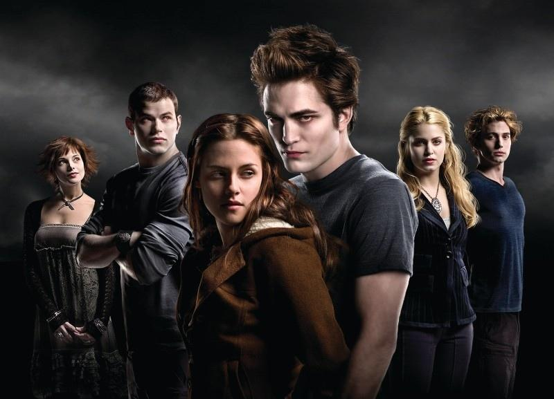 Who of the vegetarians didn't want Bella to become a vampire ?