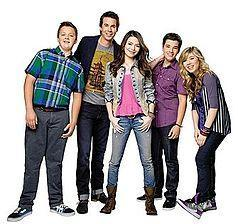 On the Nickelodeon show iCarly, the main character Carly is played by ___ Cosgrove.