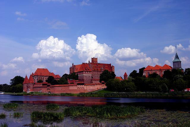 What is the name of the following castle (the biggest in the world)?