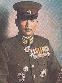 At the Battle of Iwo Jima, what two Japanese Generals were in command of Japanese soldiers?