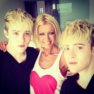 How did John and Edward meet bestfriend Tara Reid?