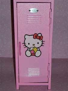 You know that show, Victorious? Well, let's say that you also got to decorate your locker!!  How would you decorate it?