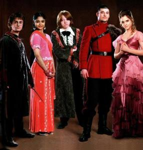 Your Yule ball  dress and date part 1 - Personality Quiz