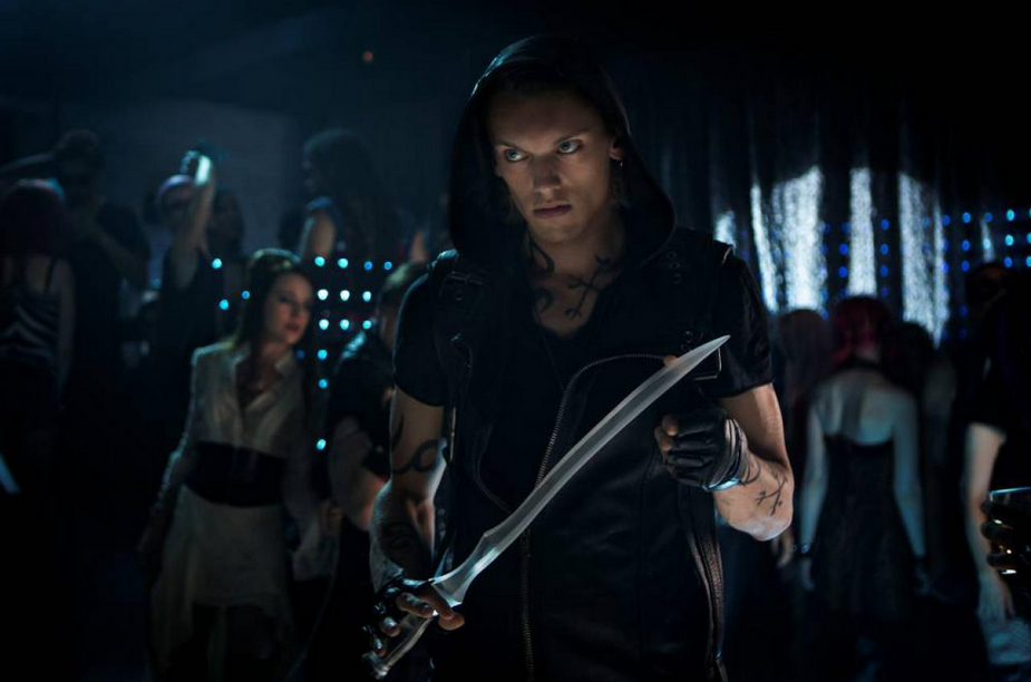Jace stole your seraph blade! What would you use as a weapon? (Stupid Jace.)