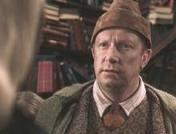 What was the name of the actor who played the member of the Weasley family who wanted to know everything there was to know about muggles in Harry Potter and the Chamber of Secrets?