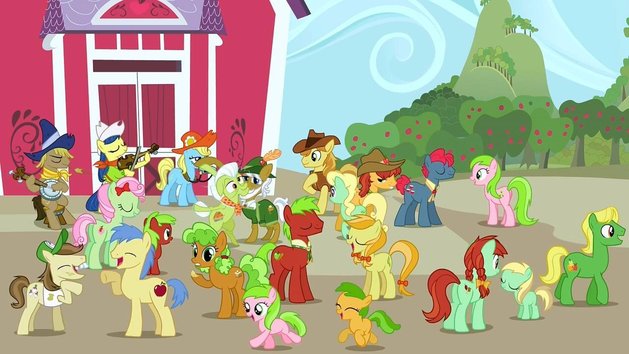 How many other ponies live with Applejack?