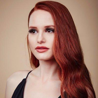 Who plays Cheryl Blossom in the series?