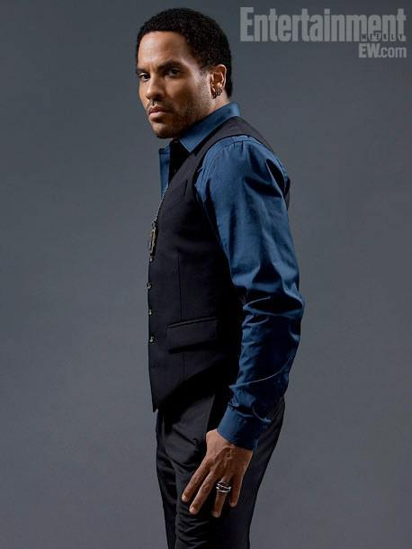 Who plays Cinna in the movies?