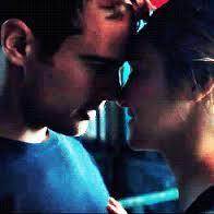 When does Tris and Tobias kiss for the first time?
