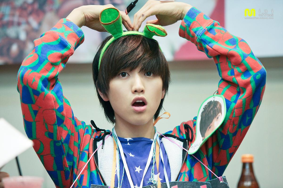 Who is this? Hint: B1A4 Comment: omg he's so cute xD