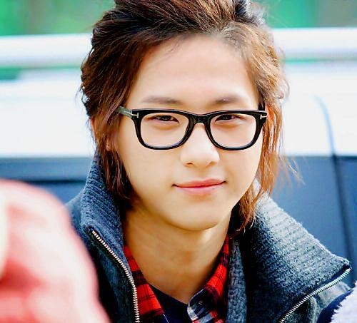 Who is this? Hint: B1A4 Comment: ugh...