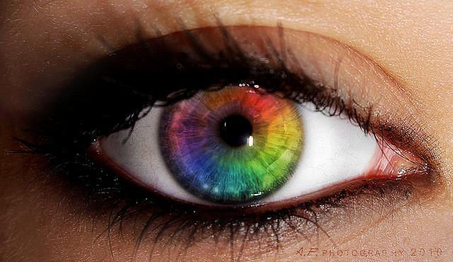 What color is your mom's eyes?