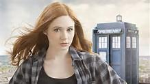 What is the surname / Last name  of the actor of Amy Pond