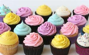 What colour frosting would you like?
