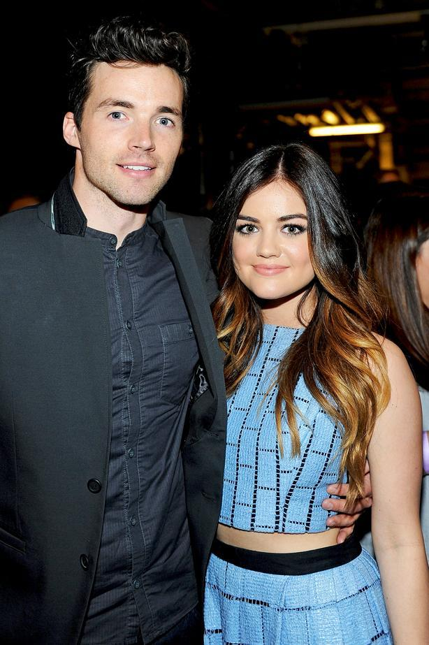 Where did Aria and Ezra meet?