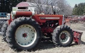 What brand of tractor is this: