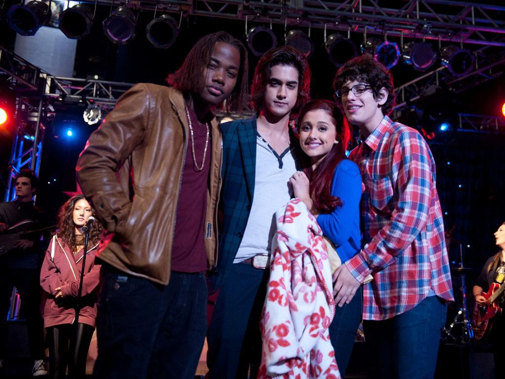 What Boy Of Victorious Is Cute