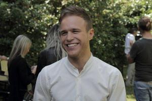 What date was Olly Murs born on???