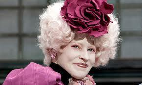 Who plays Effie Trinket?