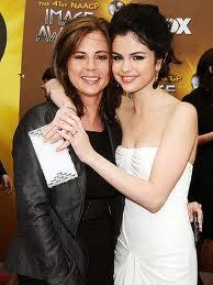 At what age did selena gomez mom give birth to her