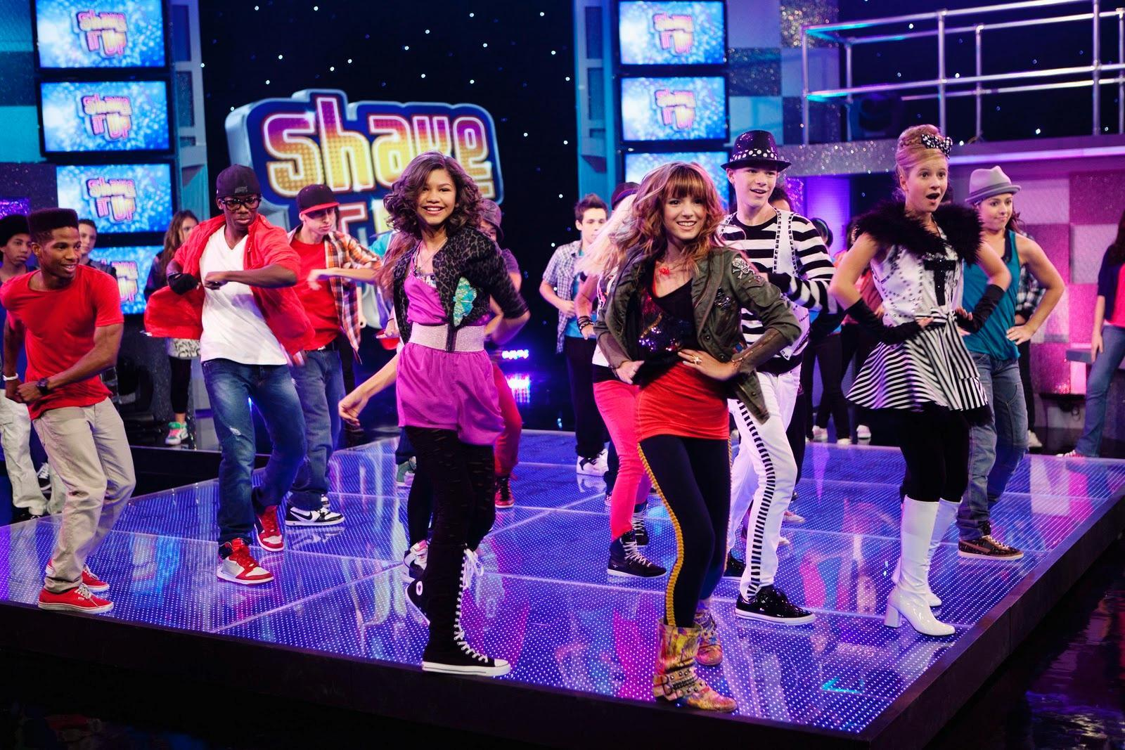 Which of these characters dance on Shake It Up?