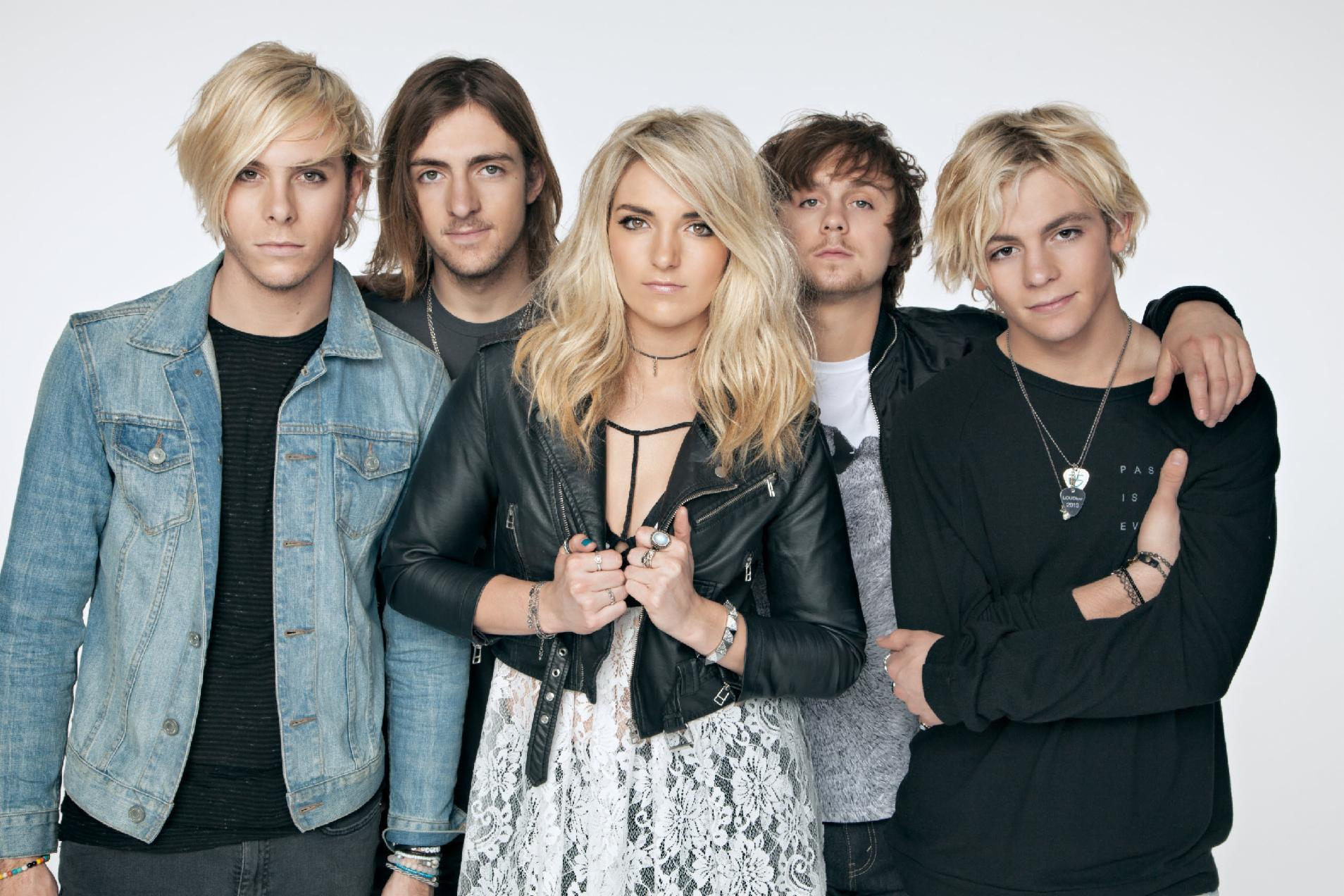 What date did R5,s new CD, Sometime Last Night, drop?