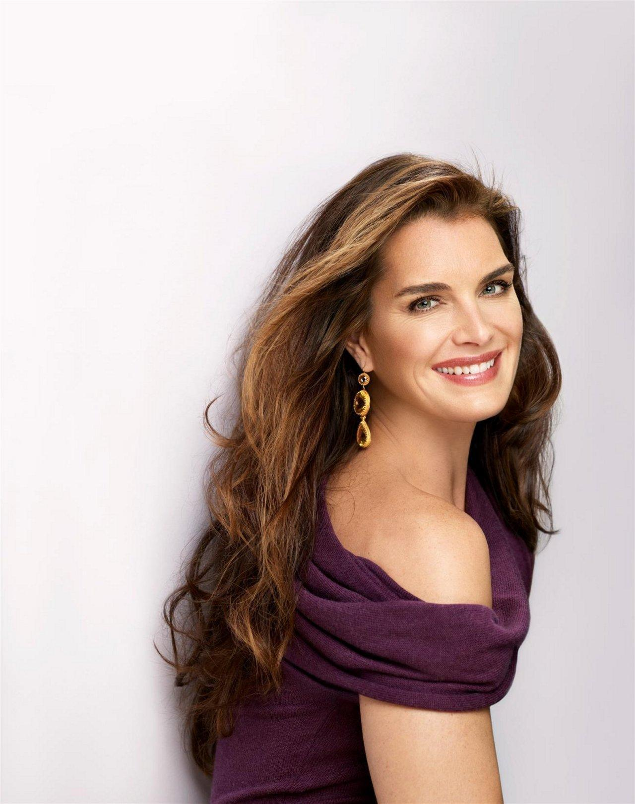 """Smoking kills. If you're killed, you've lost a very important part in your life.""                   -Brooke Shields"