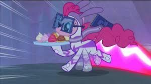 You walk around, protecting Maretropolis. Just then, you see Mane-iac Mayhem stealing Cupcakes from a store! What will ya do?