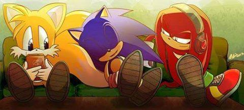 The first time Alexis died, how did she communicate with Tails?