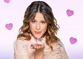 Who has a crush on violetta?