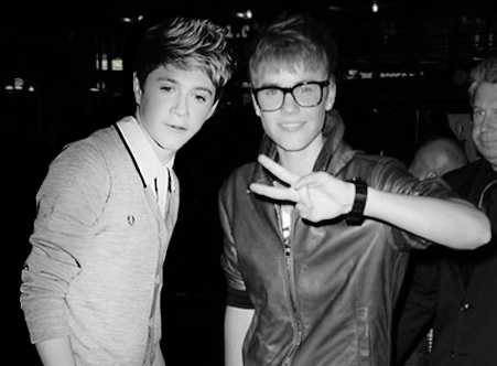 What are Niall's two favorite Justin Bieber songs?