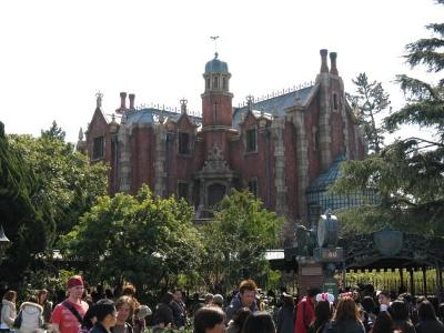 Which resort's Haunted Mansion is pictured?
