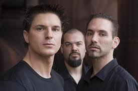 Does any one else watch ghost adventures