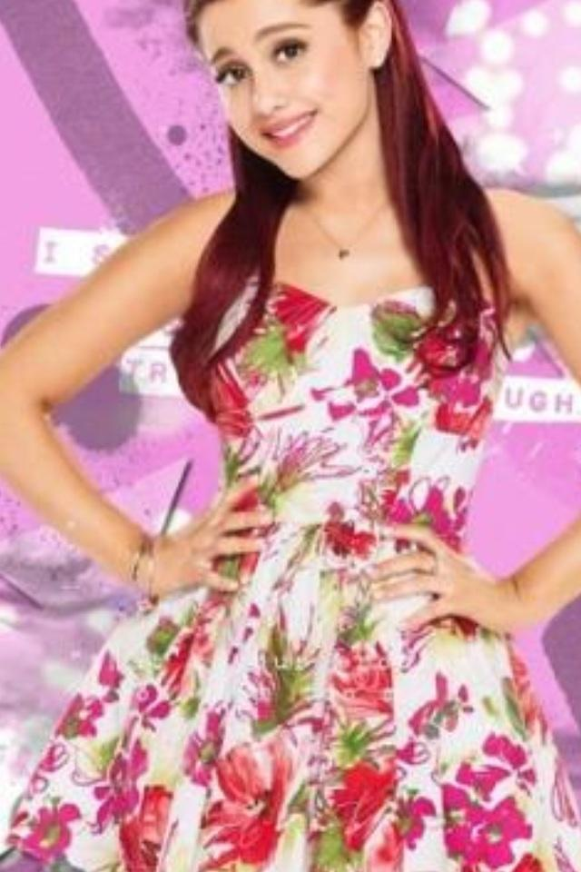 Do you think Ariana's dress is awesome or peppy?